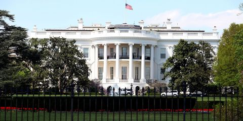 exterior shot of the white house on a sunny day
