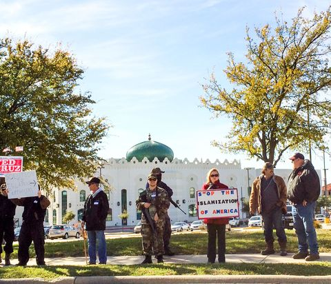 Muslim population in texas muslims in usa armed protesters outside the irving mosque the protesters say they are in no way interfering with freedom of religion malvernweather Gallery
