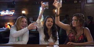 Bad Moms movies, Bad Moms trailer, moms drinking, moms at the bar