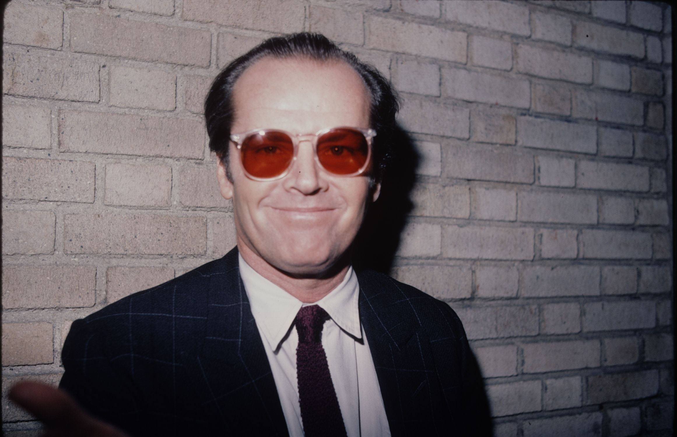 Why Does Jack Nicholson Wears Sunglasses All The Time Once a regular attendee of lakers games, jack's last appearance at the sports venue was in january 2019 with his son ray. does jack nicholson wears sunglasses