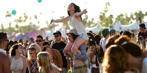 Eyewear, Hair, Arm, Crowd, People, Mammal, Happy, Summer, Hat, Party supply,