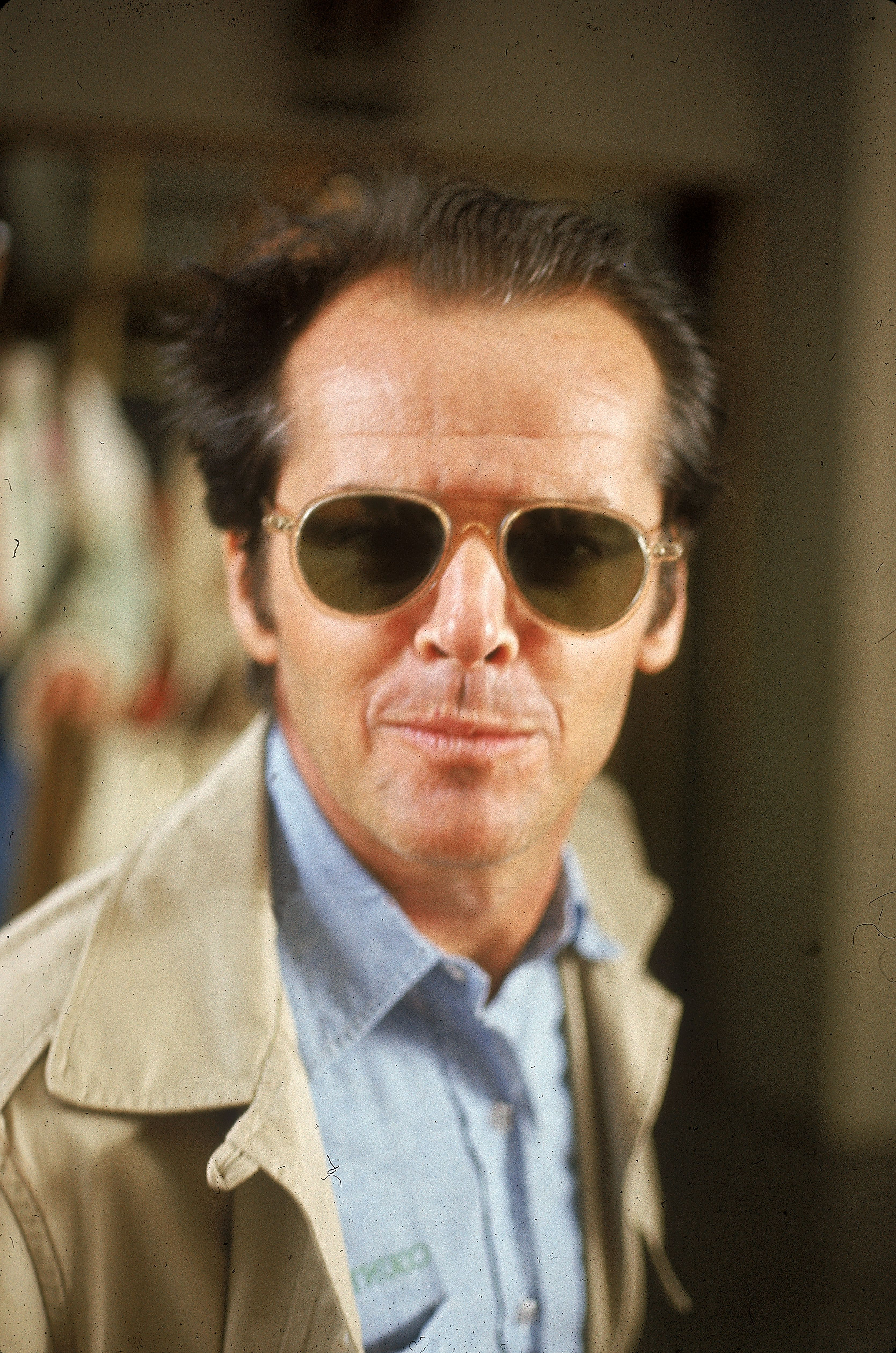 Why Does Jack Nicholson Wears Sunglasses All The Time Once a regular attendee of lakers games, jack's last appearance at the sports venue was in january 2019 with his son ray. esquire