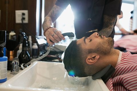 Fluid, Liquid, Plumbing fixture, Wrist, Barware, Beauty salon, Service, Tap, Sink, Hairdresser,