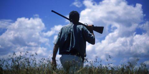 Cloud, Elbow, Cumulus, Shotgun, Shooting, Shooting sport, Softball bat, Air gun, Baseball bat, Meteorological phenomenon,