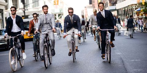 Tire, Wheel, Bicycle wheel, Bicycle tire, Bicycle frame, Land vehicle, Bicycle, Bicycle wheel rim, Bicycle handlebar, Bicycle fork,