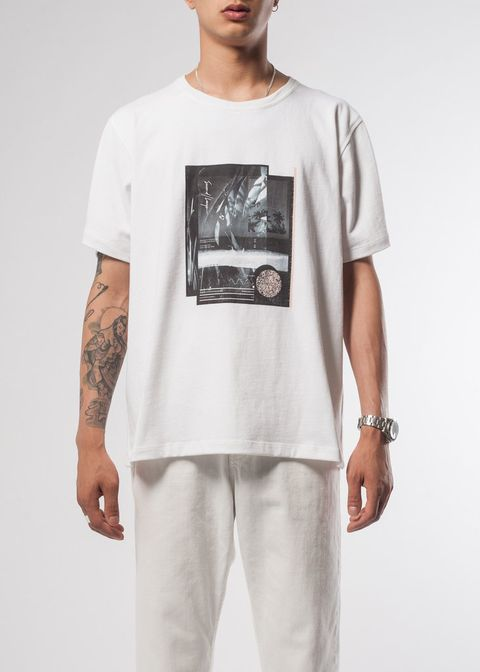 Human, Sleeve, Shoulder, Joint, Standing, White, Elbow, T-shirt, Cool, Pocket,