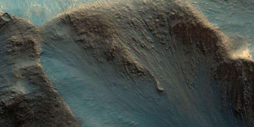 These Beautiful New Photos of Mars Will Make You Cry A Single, Solitary Tear