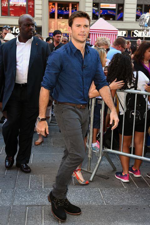 Footwear, Leg, Trousers, Dress shirt, Shoe, Shirt, Outerwear, Style, T-shirt, Collar,