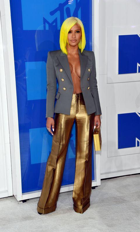 Outerwear, Style, Electric blue, Bag, Blazer, Street fashion, Leather, Blond, Pocket, Cobalt blue,