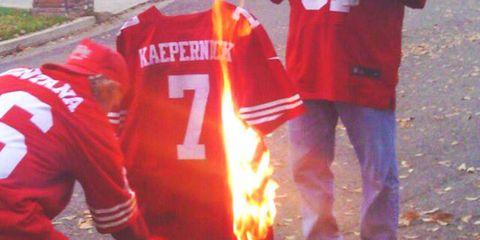 kaepernick-jersey-burning2