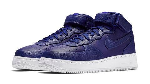 Footwear, Blue, Product, Shoe, Sportswear, White, Athletic shoe, Sneakers, Purple, Light,
