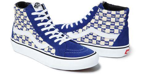 Footwear, Blue, Product, Shoe, White, Sportswear, Line, Style, Sneakers, Electric blue,