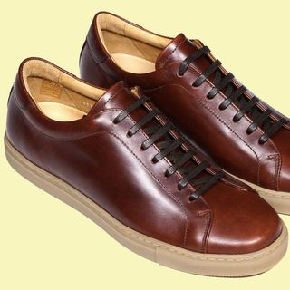 10 best suit shoes for men  how to wear a suit with sneakers