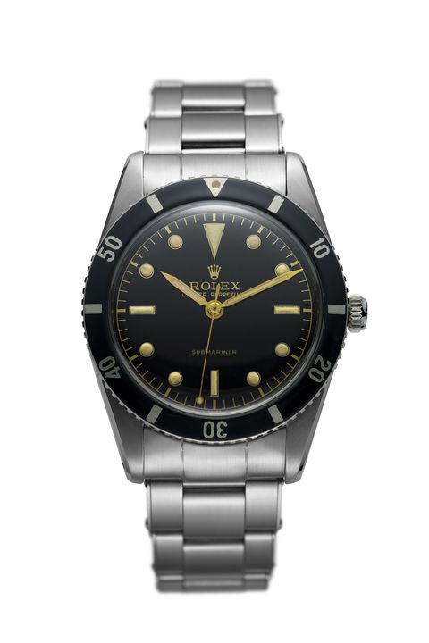 <p>Contributing to the Rolex's wide-reaching legacy in the world of exploration, the Submariner firmly established the design language for dive watches throughout the century: It's the world's first automatic watch to withstand depths up to 100 meters. Meanwhile, the unidirectional bezel allows the wearer to easily measure their submersion time.</p>