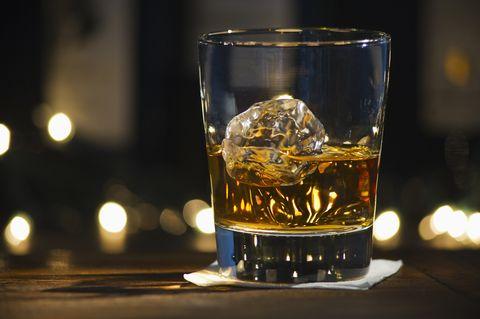 Liquid, Fluid, Drinkware, Glass, Drink, Alcoholic beverage, Barware, Alcohol, Distilled beverage, Amber,