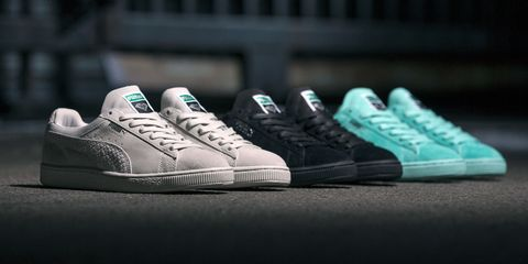 Footwear, Product, Shoe, Sportswear, Photograph, White, Style, Line, Sneakers, Athletic shoe,