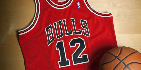 finest selection ce241 7f0e3 This Throwback Jersey Pays Homage to the Rarest Jordan ...