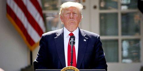 Speech, Spokesperson, Official, Public speaking, Flag, Speaker, Event, Military officer, Flag of the united states, Orator,