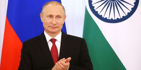 Spokesperson, Official, Businessperson, Business, Gesture, Speech, White-collar worker, Employment, Public speaking, Management,