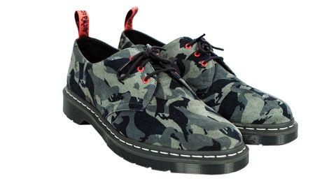 Shoe, Footwear, Black, Camouflage, Product, Sneakers, Outdoor shoe, Athletic shoe, Walking shoe, Hiking boot,