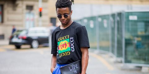 Street fashion, T-shirt, Clothing, Cool, Fashion, Eyewear, Product, Glasses, Neck, Sportswear,