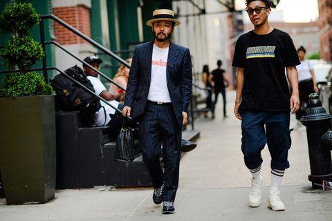 Street fashion, Fashion, Snapshot, Jeans, T-shirt, Cool, Footwear, Street, Photography, Headgear,