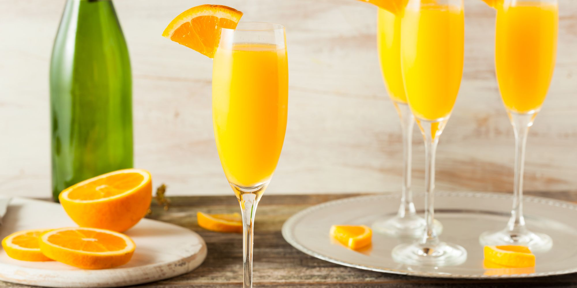 How to Make a Classic Mimosa