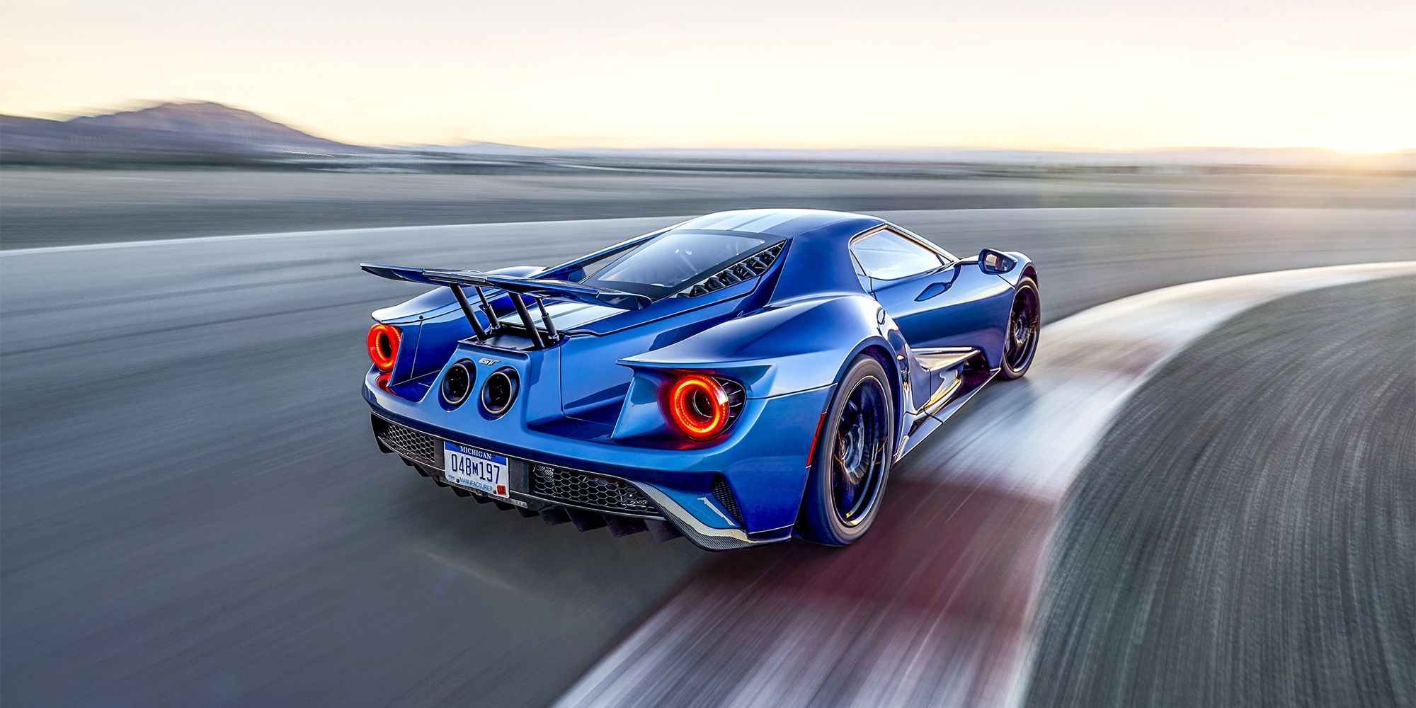 Ford's New $450,000 GT Makes a Fool Out of Ferrari—Again