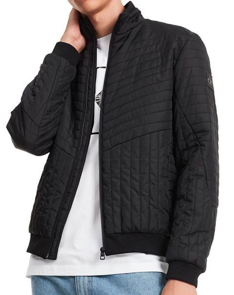Clothing, Product, Sleeve, Collar, Shoulder, Textile, Standing, Joint, Outerwear, Jacket,