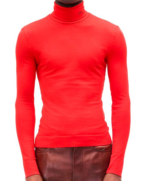 Clothing, Sleeve, Red, Neck, Orange, Long-sleeved t-shirt, Shoulder, Outerwear, T-shirt, Muscle,