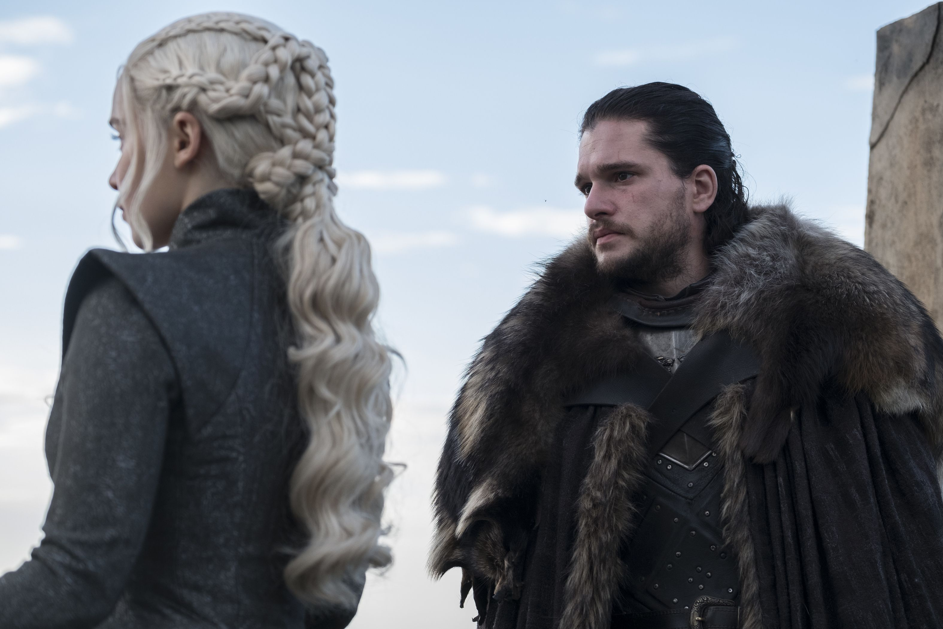 Jon snow and daenerys hookup in real life