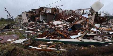Scrap, Waste, Earthquake, Demolition, Pollution, Event, Drink, Geological phenomenon, Litter, Rubble,