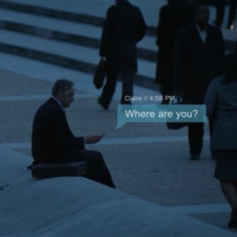 House of Cards Texting - This Is How to Shoot Text Messaging