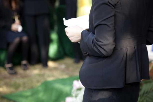 How to start off a eulogy