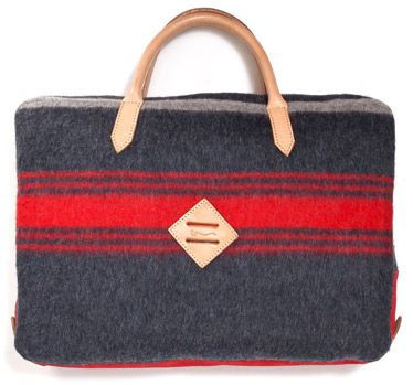 Product, Red, Textile, Bag, Carmine, Beauty, Luggage and bags, Rectangle, Beige, Coquelicot,