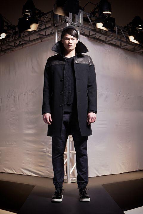 Jacket, Textile, Outerwear, Style, Fashion, Street fashion, Fashion model, Stage, Fashion design, Leather,