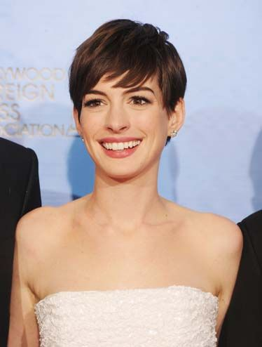 Beautiful women with short hair the hottest women short haircuts urmus Image collections