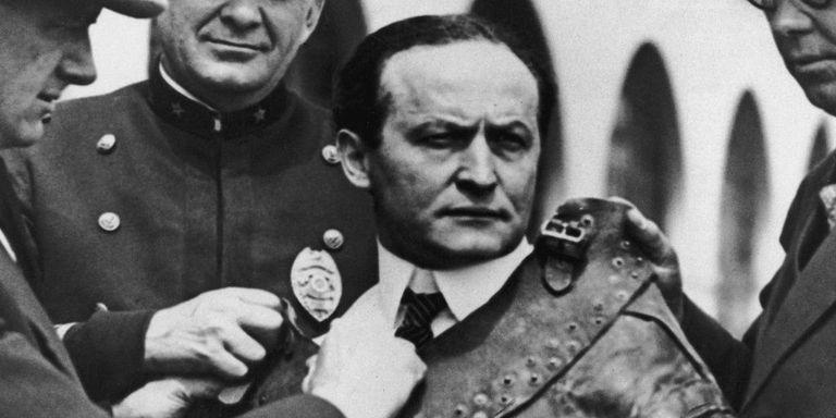 Harry Houdini Wore Death on Halloween