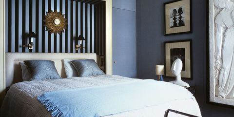 Bed, Blue, Room, Brown, Interior design, Property, Bedding, Textile, Wall, Architecture,