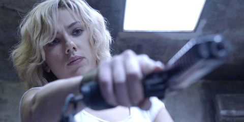 Shoulder, Blond, Feathered hair, Fictional character, Layered hair, Acting, Curtained hair, Air gun,