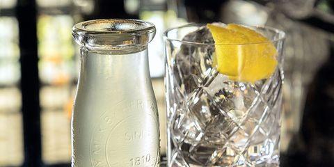 Liquid, Fluid, Glass, Drinkware, Drink, Barware, Transparent material, Citrus, Highball glass, Lemon,