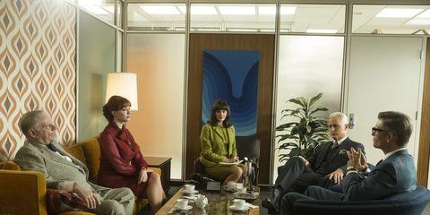 Lighting, Comfort, Interior design, Sitting, Furniture, Interior design, Living room, Lamp, Coffee table, Conversation,