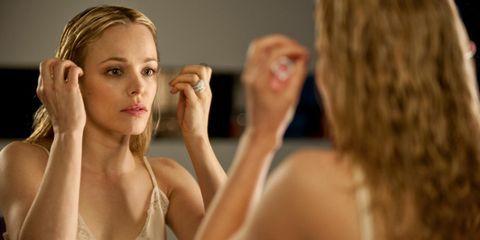 Lip, Finger, Hairstyle, Skin, Shoulder, Eyebrow, Eyelash, Beauty, Wrist, Neck,