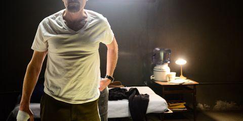 Lighting, Elbow, Bag, Luggage and bags, Lamp, Shoulder bag, Active shirt, Pocket,