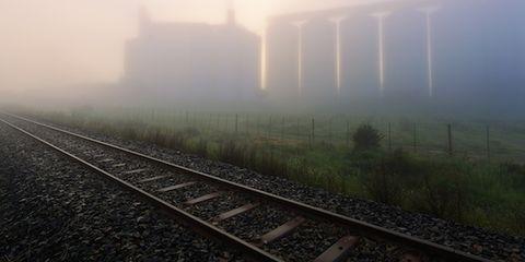 Nature, Atmosphere, Atmospheric phenomenon, Mist, Track, Haze, Sunlight, Colorfulness, Morning, Grey,