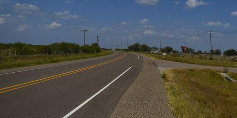 Road, Daytime, Road surface, Infrastructure, Asphalt, Highway, Plain, Line, Land lot, Horizon,