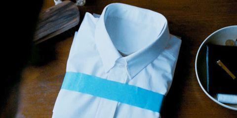 Sleeve, Collar, String instrument accessory, Dishware, Kitchen utensil, Serveware, Chopsticks, Button,