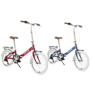 Bicycle tire, Wheel, Bicycle wheel rim, Bicycle frame, Bicycle fork, Bicycle wheel, Bicycle part, Bicycle, Bicycle accessory, Bicycle handlebar,