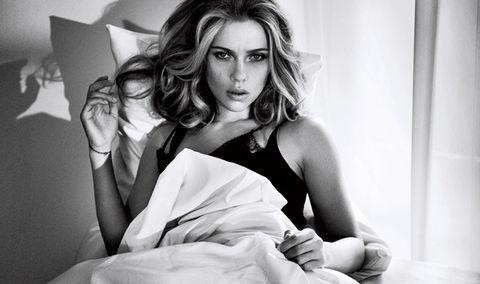 Scarlett Johansson Is 2013's Sexiest Woman Alive