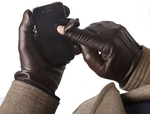 An Upscale Take on Smartphone-Friendly Gloves